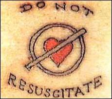 Татуировка призывает врачей не реанимировать